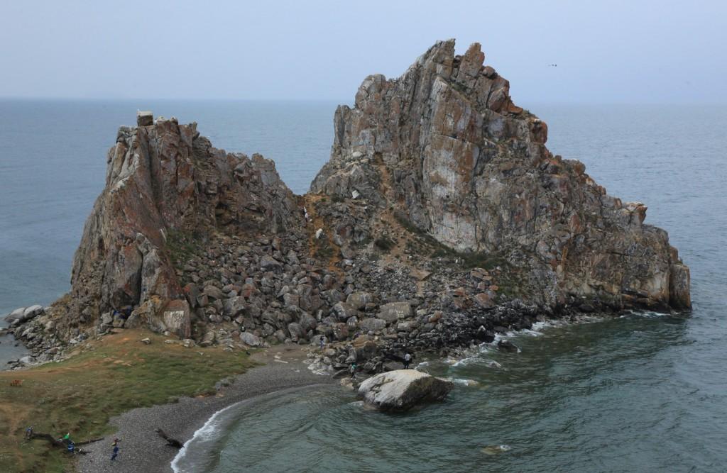 Zdjęcia: Chużir, Wyspa Olchon, Szamanka, magiczna skała Buriatów, ROSJA