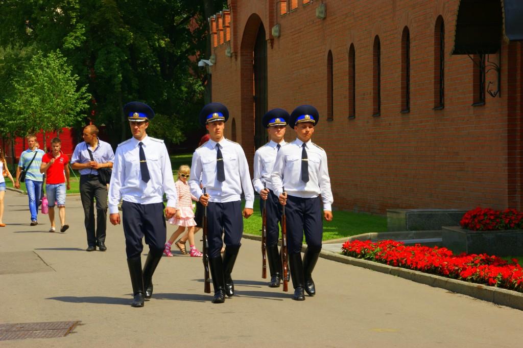 Zdjęcia: Moskwa, Moskwa, Wartownicy, ROSJA