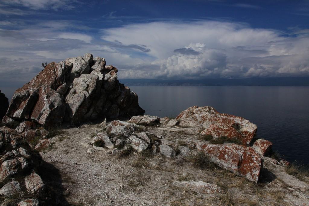 Zdjęcia: Olchon, Bajkał, Skały i woda, ROSJA