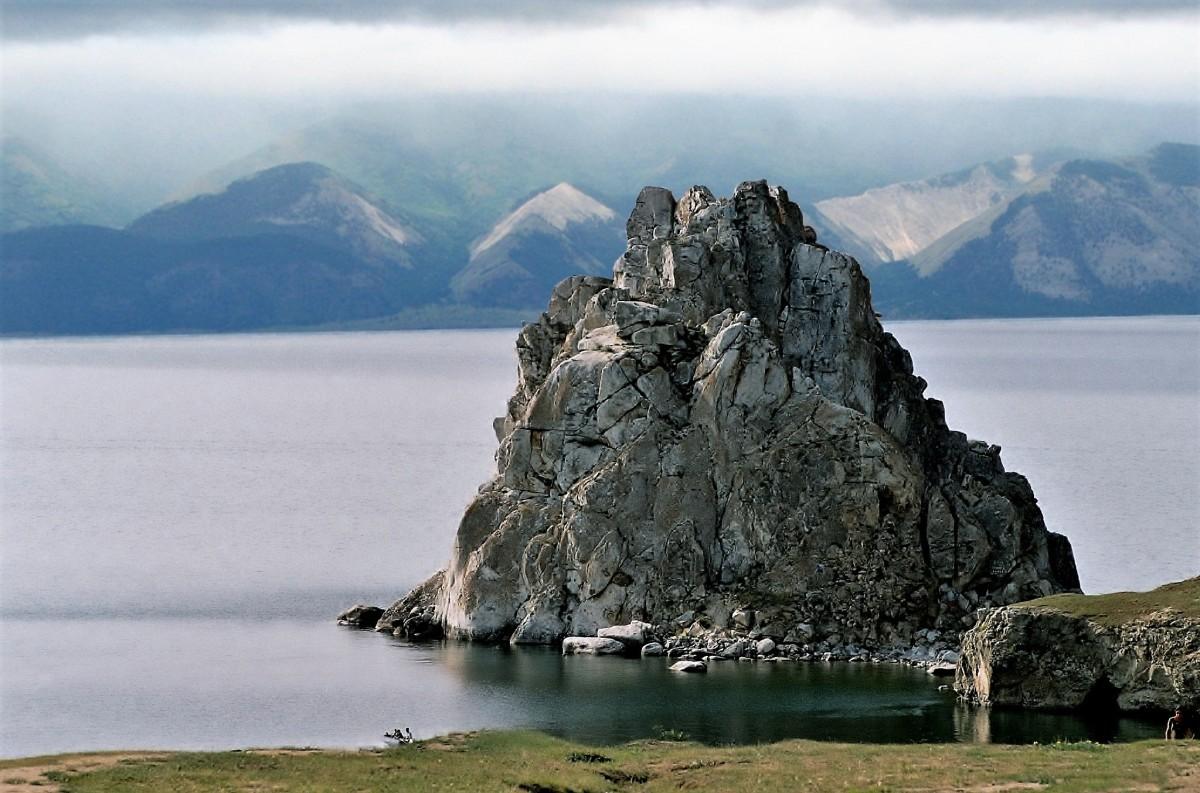 Zdjęcia: Wyspa Olchon, Bajkał, Skała Szamanka, ROSJA