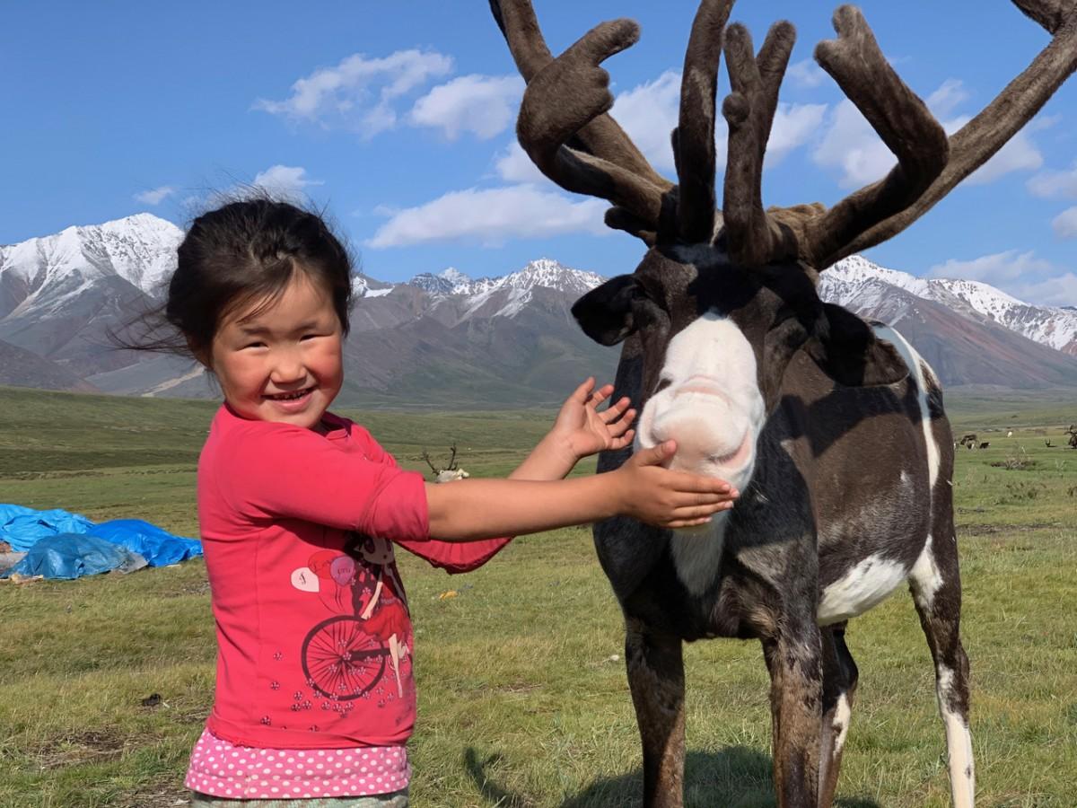 Zdjęcia: Góry Czerskiego pasmo Momskie, Jakucja ( republika Sacha ), jelonek Wasia, ROSJA