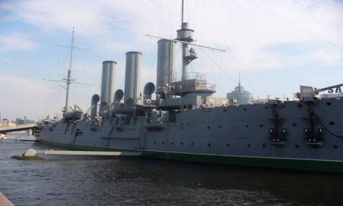 Zdjęcie ROSJA / miasto -sankt Petersburg / port / Krążownik Aurora