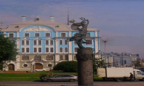 Zdjęcie ROSJA / miasto -sankt Petersburg / miasto / Jeden z wielu pomników