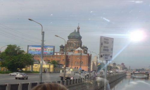 Zdjecie ROSJA / miasto -sankt Petersburg / rzeka / Rzeka Newa z mostami