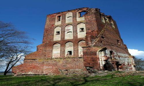 ROSJA / Obwód Kaliningradzki / Uszakowo / Ruiny