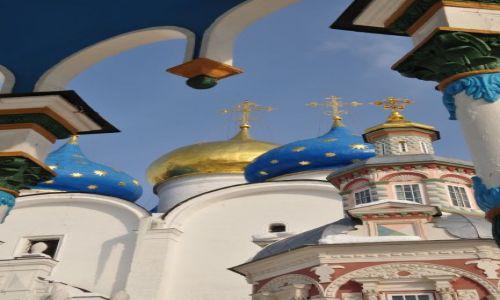 Zdjecie ROSJA / - / Siergijew Posad / Złote kopuły