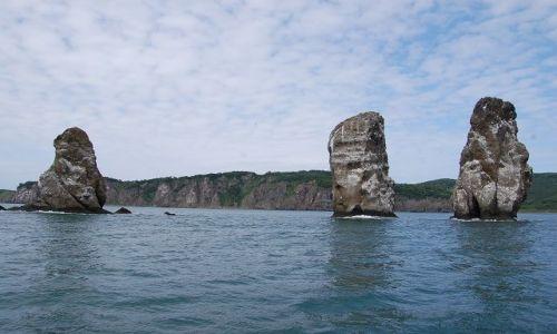 Zdjęcie ROSJA / Kamczatka / Zatoka Awaczyńska / Trzej Bracia