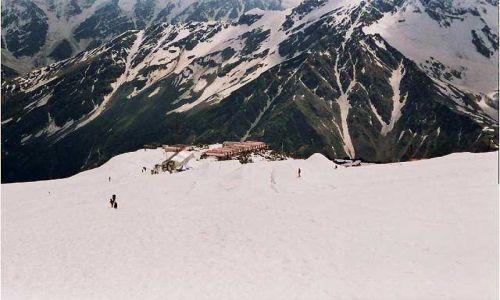 Zdjecie ROSJA / Kaukaz / Elbrus / Widok na schronisko Boćki