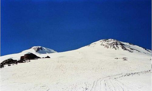 Zdjecie ROSJA / Kaukaz / Elbrus / Gigant w ca�ej