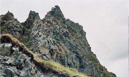 Zdjecie ROSJA / Kaukaz / Elbrus / Piękne twory skalne są charakterystyczne dla Kaukazu