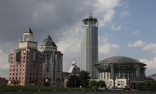 Zdjęcie ROSJA / Moskwa / Nad rzeką Moskwa / Architektura współczesna