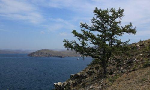 Zdjecie ROSJA / Irkuck / Bajkał / Widok na wyspę Olchon