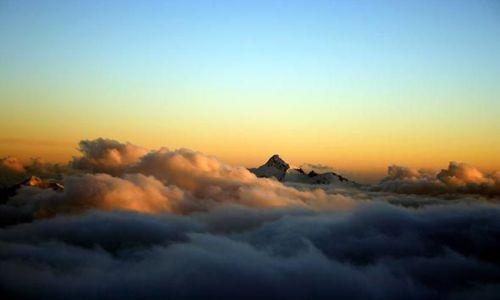 Zdjecie ROSJA / Kaukaz / Z drogi na Elbrus / Pora spać