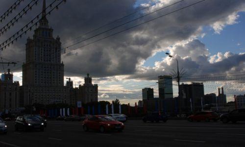 Zdjecie ROSJA / Moskwa / Kutuzovskij Prospekt / Aleja