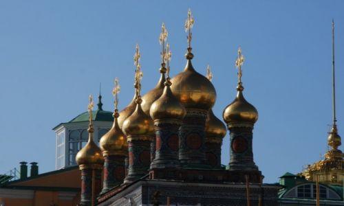 Zdjecie ROSJA / Moskwa / Kreml / Dachy na Kremlu