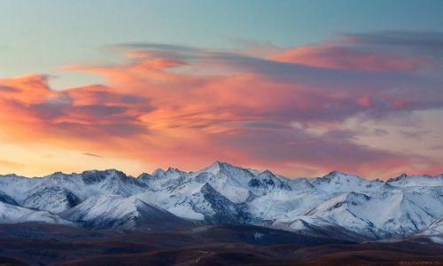 Zdjęcie ROSJA / Kaukaz Północny / Karaczajo - Czerkiesja / góry i chmury