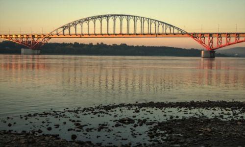 Zdjecie ROSJA / wsch. Rosja / wsch. Rosja / Most na Jeniseju o świcie...