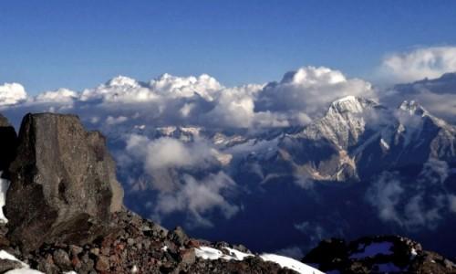 Zdjecie ROSJA / Kabardyno-Ba�karia / Elbrus / Ska�y Pastuchow