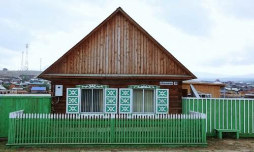 ROSJA / Jezioro Bajkał /  Wyspa Olchon / Chużir / Nowe, ale stylowe
