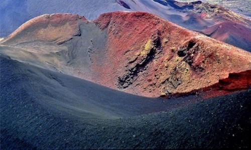ROSJA / Kamczatka Centralna / Jeden z licznych gorących kraterów Tołbaczika  / Płaskij Tołbaczik