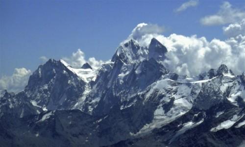 ROSJA / Kaukaz / widok ze stoków Elbrusa / Uszba