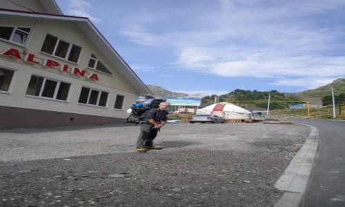 Zdjecie ROSJA / Kabardino-Balkarskaya Republits, Rosja / Azau /  Elbrus zaczynam przygodę czas ruszać na szlak