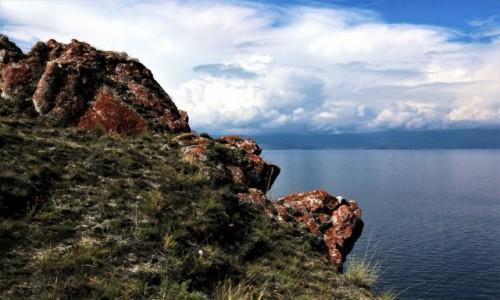 Zdjecie ROSJA / Bajkał / Wyspa Olchon. Przylądek Chaboj / Urwisty brzeg