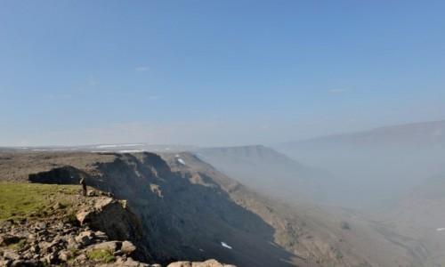Zdjecie ROSJA / Plato Putorana, Kraj Krasnojarski / ponad doliną Geologicieskiej / Mgliste piekno