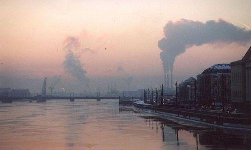 Zdjecie ROSJA / brak / nad Newą, St. Petersburg / zachód słońca nad Newą