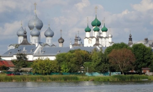 Zdjecie ROSJA / Złoty Pierścień Moskwy - Rostów / Kreml Rostowski - widok z jeziora Nero / Ten widok mnie zafascynował...