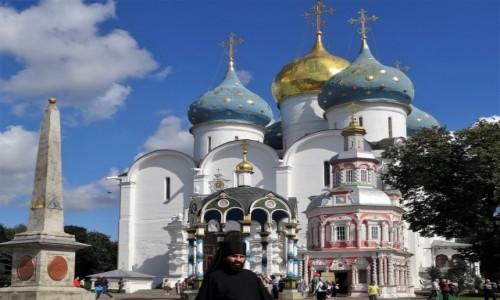 ROSJA / Złoty Pierścień Moskwy / Siergiew Posad / Niesamowite miejsce - Ławra Troicko-Siergiejewska