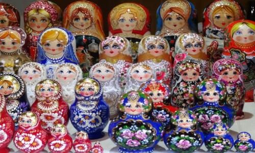 Zdjecie ROSJA / Złoty Pierścień Moskwy / Siergiew Posad - ale może być wszędzie / Babuszki - do wyboru, do koloru