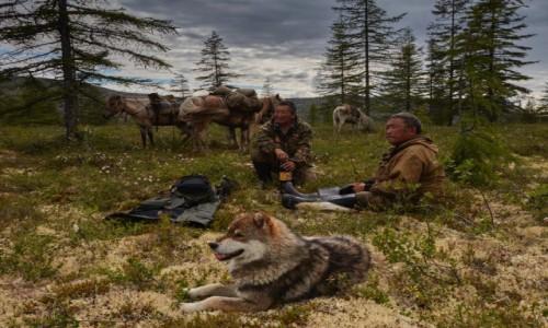 Zdjecie ROSJA / Jakucja ( republika Sacha ) / Góry Momskie / czas na odpoczynek
