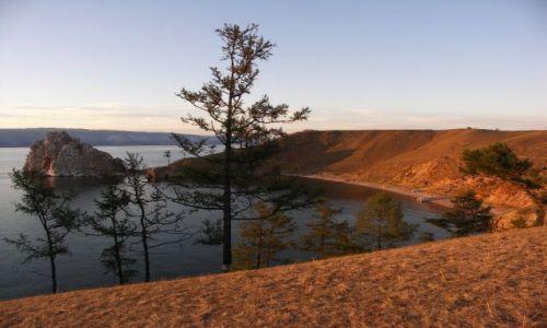 Zdjecie ROSJA / Syberia / Wyspa Olchon / Bajkał o zachodzie słońca