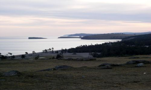 Zdjecie ROSJA / Syberia / Wyspa Olchon / Bajkał o świcie