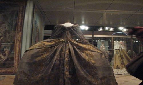 Zdjecie ROSJA / MOSKWA / muzeum na kremlu / sukienka Katarzyny II