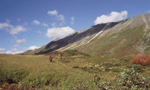 Zdjęcie ROSJA / Góry Barguzińskie / Między źródłami Akusy i Niundju / Wododziałowa równina
