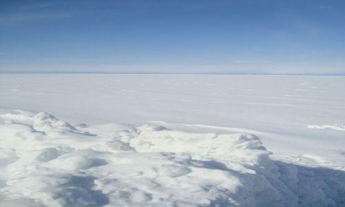 Zdjecie ROSJA / Syberia / Bajkalsk / Bajkał pod śniegową pierzynką