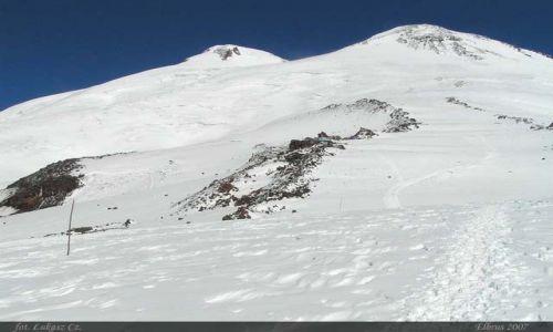 ROSJA / Kaukaz / Elbrus / Klasyczny widok na Oszhomaho