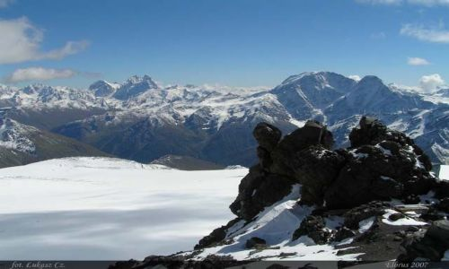 ROSJA / Kaukaz / Elbrus / Lód i kamień