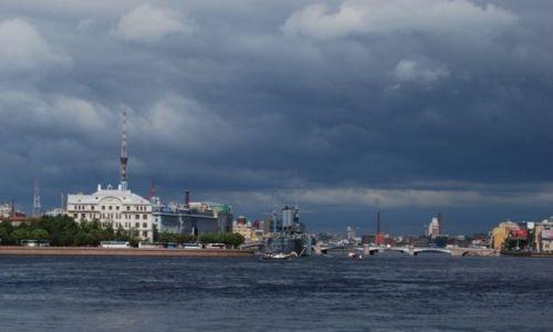 Zdjęcie ROSJA / Archangielsk / w Sankt Petersburgu / Sankt Petersburg widok na Aurorę