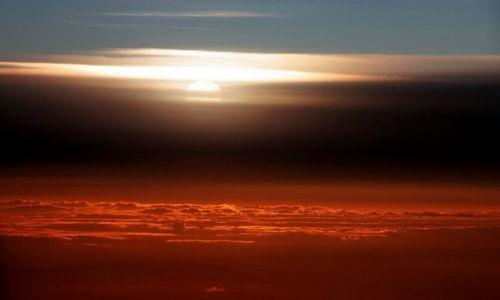 Zdjecie ROSJA / brak / Moskwa / ponad pułapem chmur
