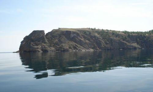Zdjęcie ROSJA / Irkucka Oblast / Wyspa Olchon / Szamanka od strony wody