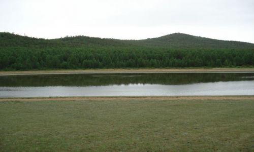 Zdjęcie ROSJA / Irkucka Oblast / Wyspa Olchon / Jezioro na wyspie