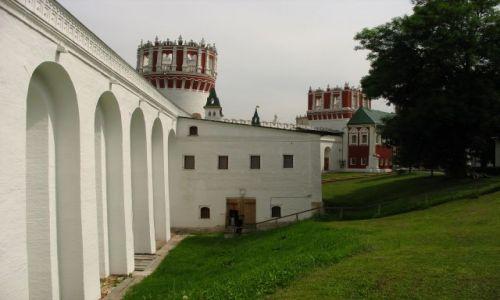 ROSJA / Moskwa / klasztor Nowodiewiczy (UNESCO) / klasztorne mury