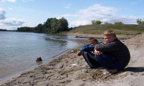 ROSJA / Syberia / rzeka Ob / mieszkańcy byli mocno zaciekawieni naszą obecnością