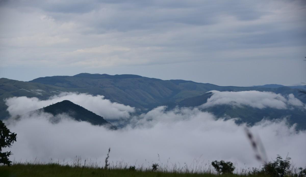 Zdjęcia: Góry Makhonjwa, Mpumalanga, Chmury, góry i mgła, RPA