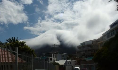 Zdjecie RPA / - / w drodze na Przyl�dek Dobrej Nadzieji  / chmura jak lawi