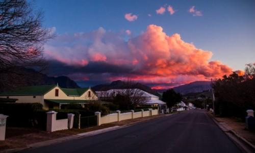 Zdjecie RPA / - / Franschoek / Bracia patrzcie jeno jak niebo goreje