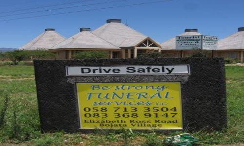 Zdjecie RPA / Golden Gate Highlands NP / Phuthaditjhaba / Jedź ostrożnie....A jakby co to polecamy usługi pogrzebowe...